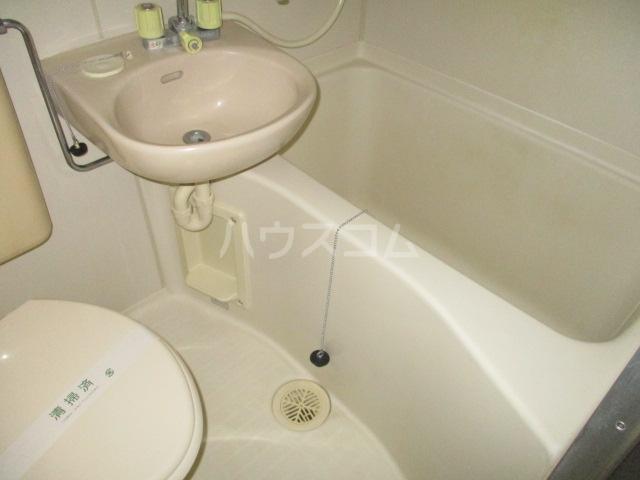 コート祖師谷 201号室の風呂