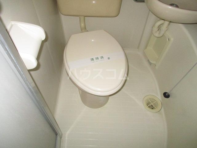 コート祖師谷 201号室のトイレ