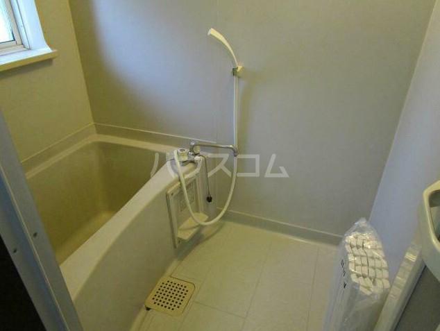 ハイネスK-A棟 102号室の風呂
