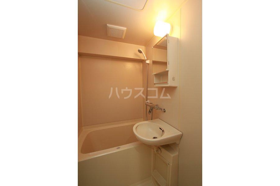 ガーデンハイツ石黒 206号室の風呂