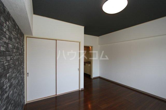 ガーデンハイツ石黒 206号室の居室
