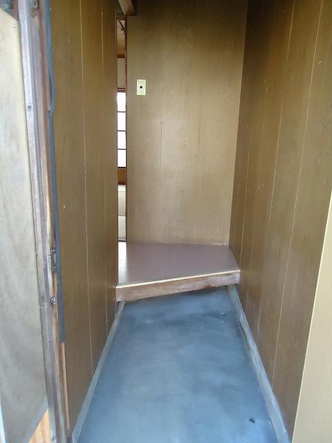 那須住宅 3号室の玄関