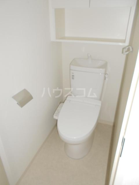 PREMIUM CUBE 世田谷 ♯mo 101号室のトイレ