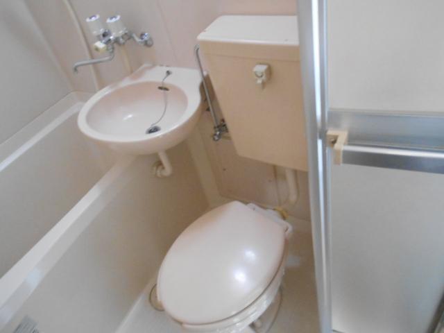 リード豊田 206号室のトイレ