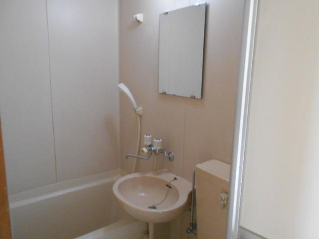 リード豊田 206号室の洗面所