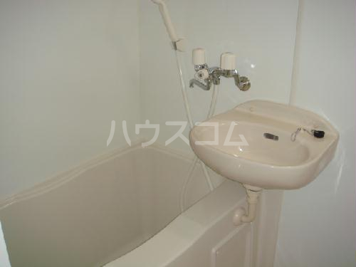 レオパレスヴィラ07 101号室の洗面所