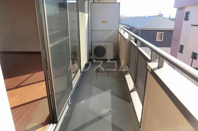 ガーデンコートHISOKO 102号室のバルコニー