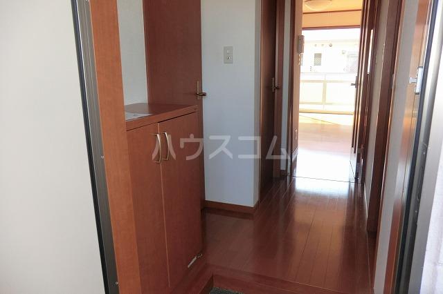 ガーデンコートHISOKO 102号室の玄関