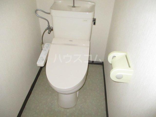 フェニックス鷺沼 105号室のトイレ
