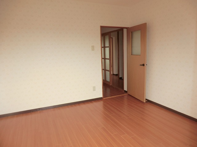 パストラル宮前 201号室のリビング