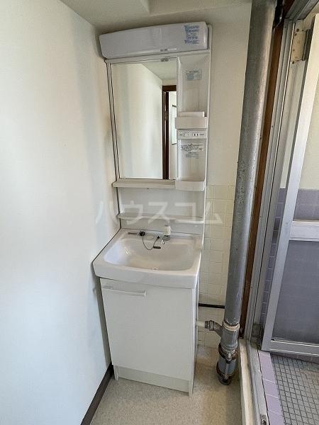 マンションTU 301号室の洗面所
