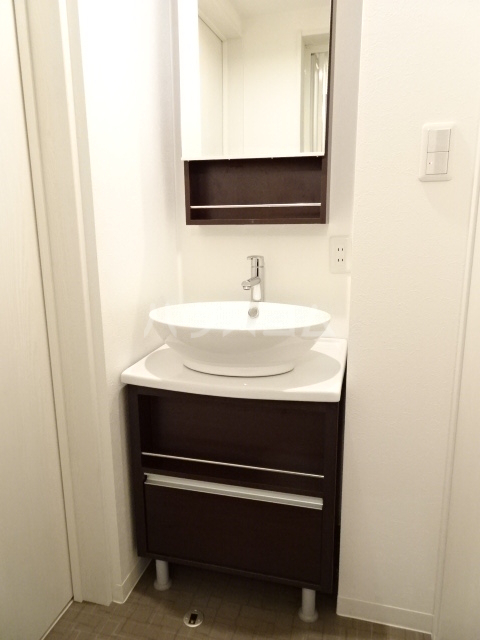 Woodman 101号室の洗面所