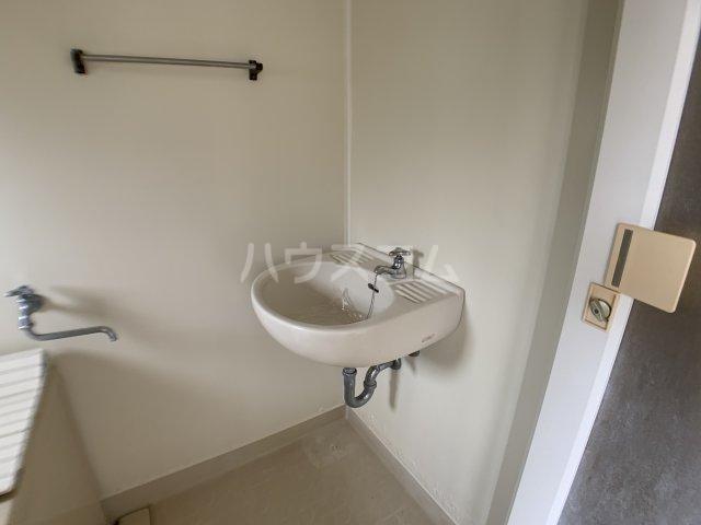 フォーシーズン前原 201号室の洗面所