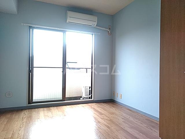 フラットえびす 305号室のベッドルーム