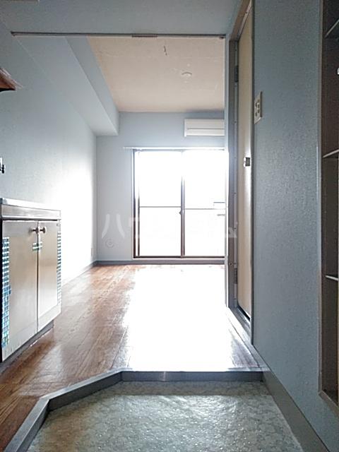 フラットえびす 305号室の玄関