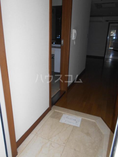NEWTOWNHILLS 105号室の玄関