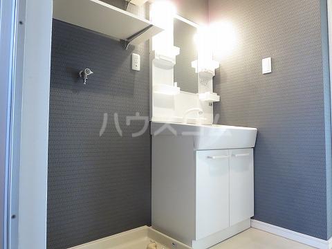 エステート伊奈 106号室の洗面所