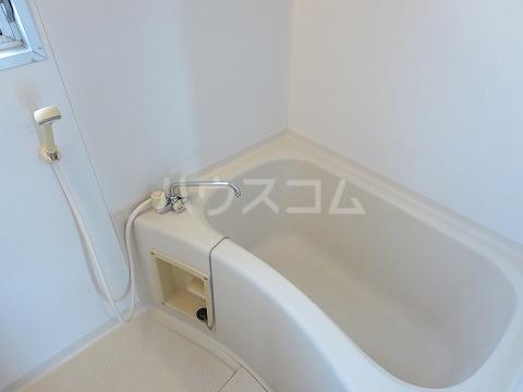 エステート伊奈 106号室の風呂