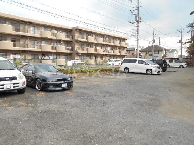 神木ロイヤルマンション 103号室の駐車場