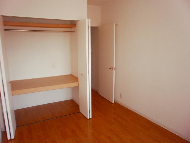 Bonheur衣丘 201号室の収納