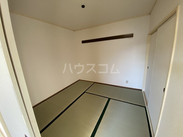 羽根ハイツ 202号室の居室