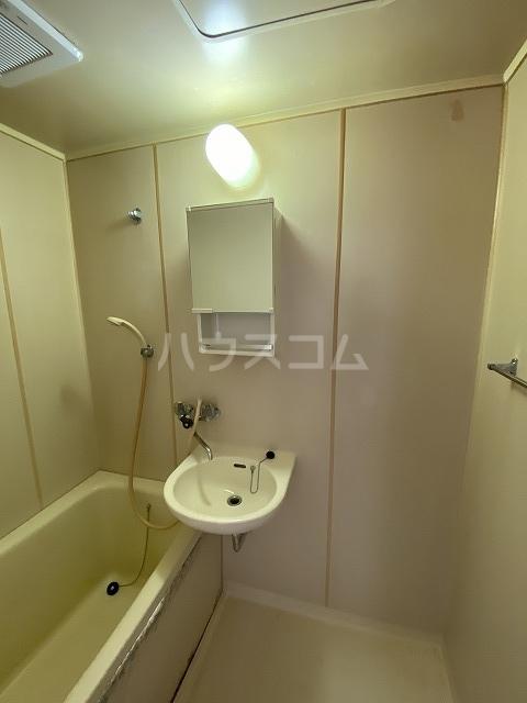 羽根ハイツ 202号室の洗面所