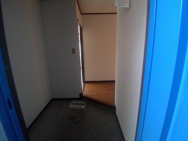 大和ハイツ A棟 205号室の玄関