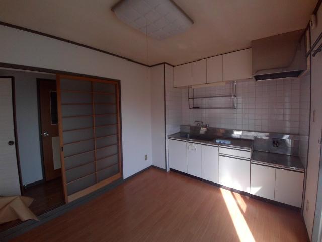 大和ハイツ A棟 205号室のキッチン