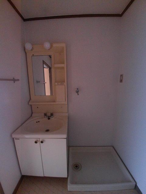大和ハイツ A棟 205号室の洗面所