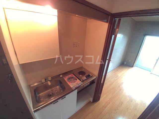 コンフォールまきの 108号室のキッチン