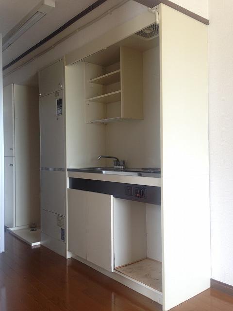 スカイパーク冨士Ⅰ 211号室のキッチン
