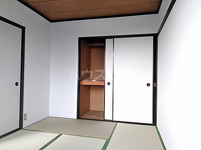 ハイツ東新C 203号室の居室