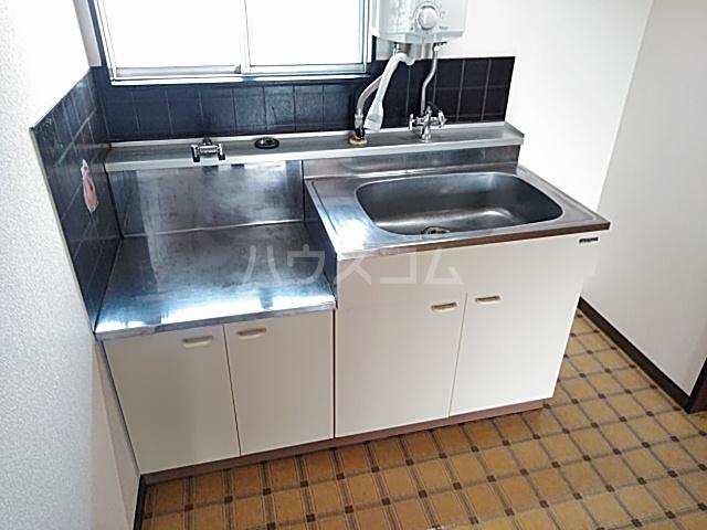 ハイツ東新C 203号室のキッチン
