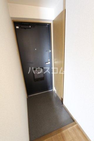 Casa BASSO 205号室の玄関