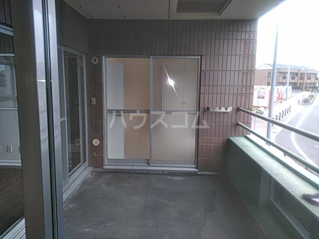 カーサジオ 404号室のバルコニー