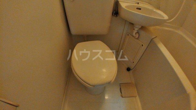 ハウスピアヤマモト 203号室のトイレ