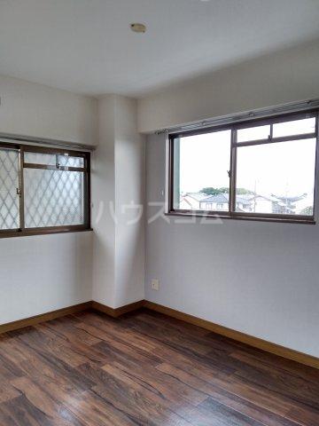 ディルーエ 301号室の居室