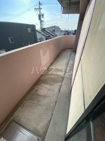 アーバン西岡崎 306号室のバルコニー