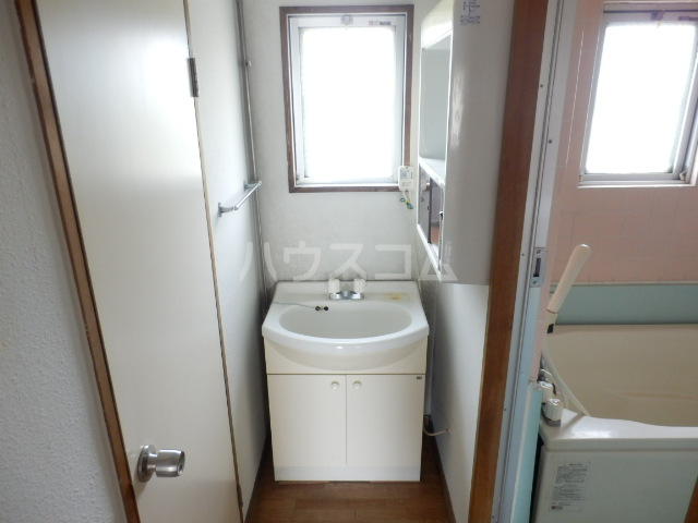 コーポ山手 202号室の洗面所