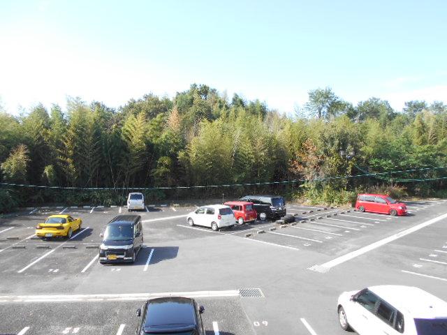 イヤーコート上豊田 C 107号室の駐車場