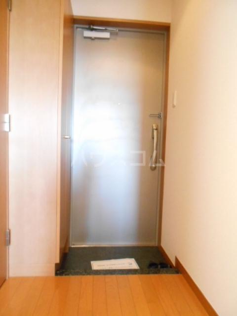 スカイコート駒沢大学 802号室の玄関