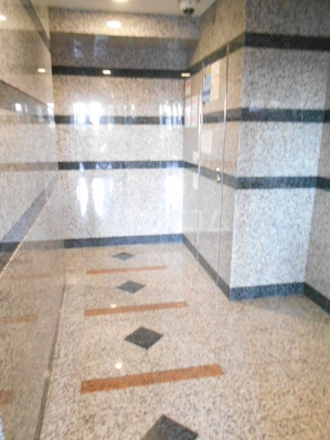 スカイコート駒沢大学 802号室のロビー