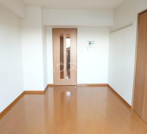 スカイコート駒沢大学 802号室のリビング
