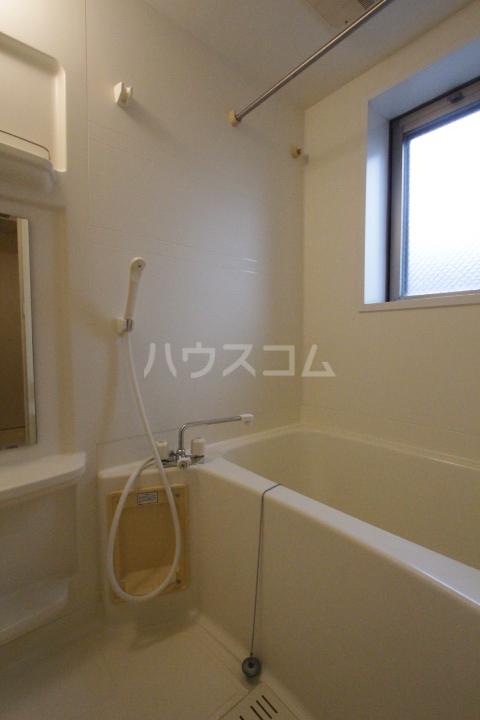 レジデンスウインド山の手 201号室の風呂