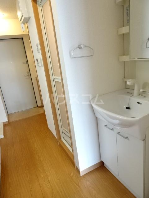 ミッドスクエア豊田 301号室の洗面所