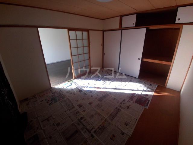 メゾンKAMII Ⅱ 101号室の駐車場