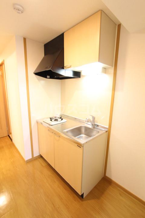 ダイアモンド エフ 01090号室のキッチン
