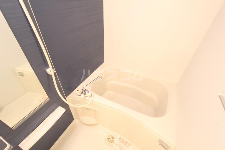 ダイアモンド エフ 01090号室の風呂
