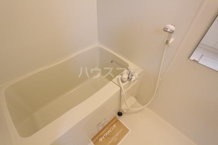 グランシャリオ花本 206号室の風呂