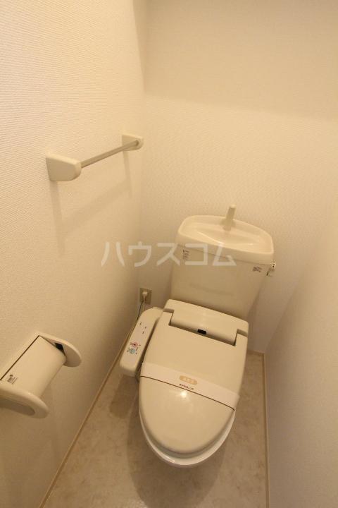 グランシャリオ花本 206号室のトイレ
